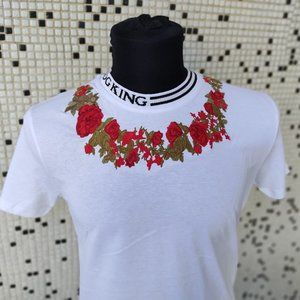D&G ROSES TEE WITH FAST SHIPPING ! ON SALE